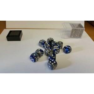 Chessex Tärningar 12st D6 16mm blue Steel /w White